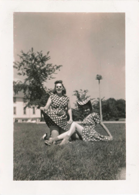 seduction 50 hilarious vintage photographs of women from