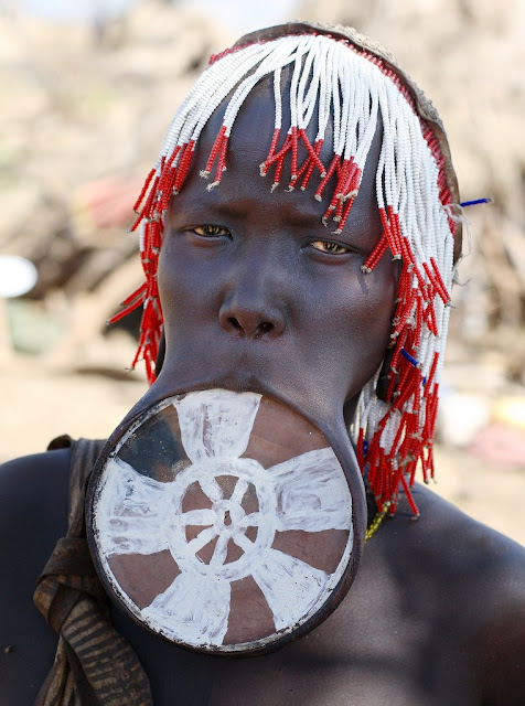 HakikaBlog Crew Welcomes You: Meet the Mursi Tribe of