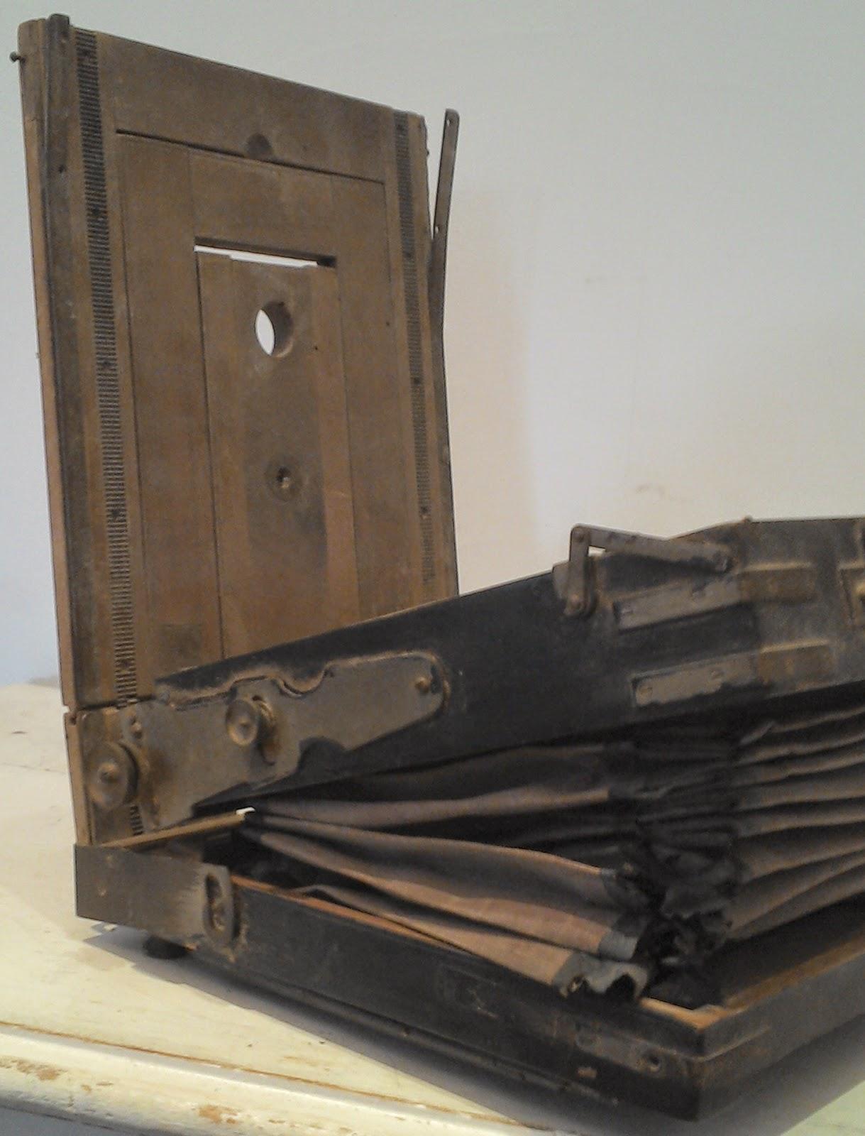 Chambre photographique ancien for Chambre photographique
