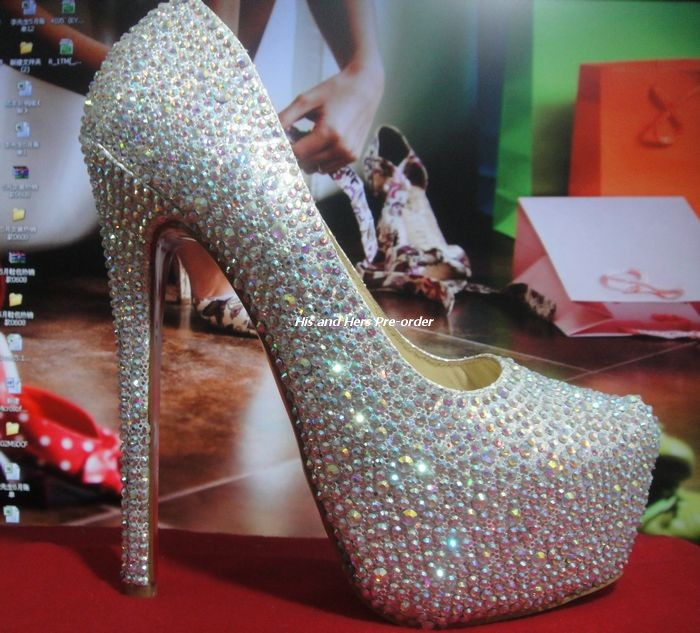 fb971a79600 These are the best replicas of the Christian Louboutin Daffodile Strass