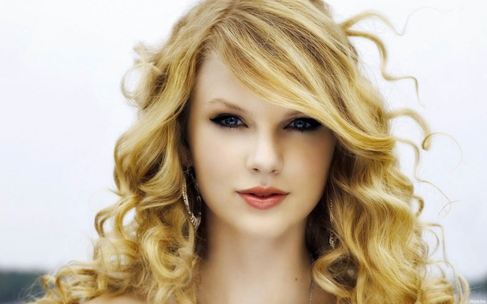 Taylor Swift Named 2014 Billboard Woman of the Year