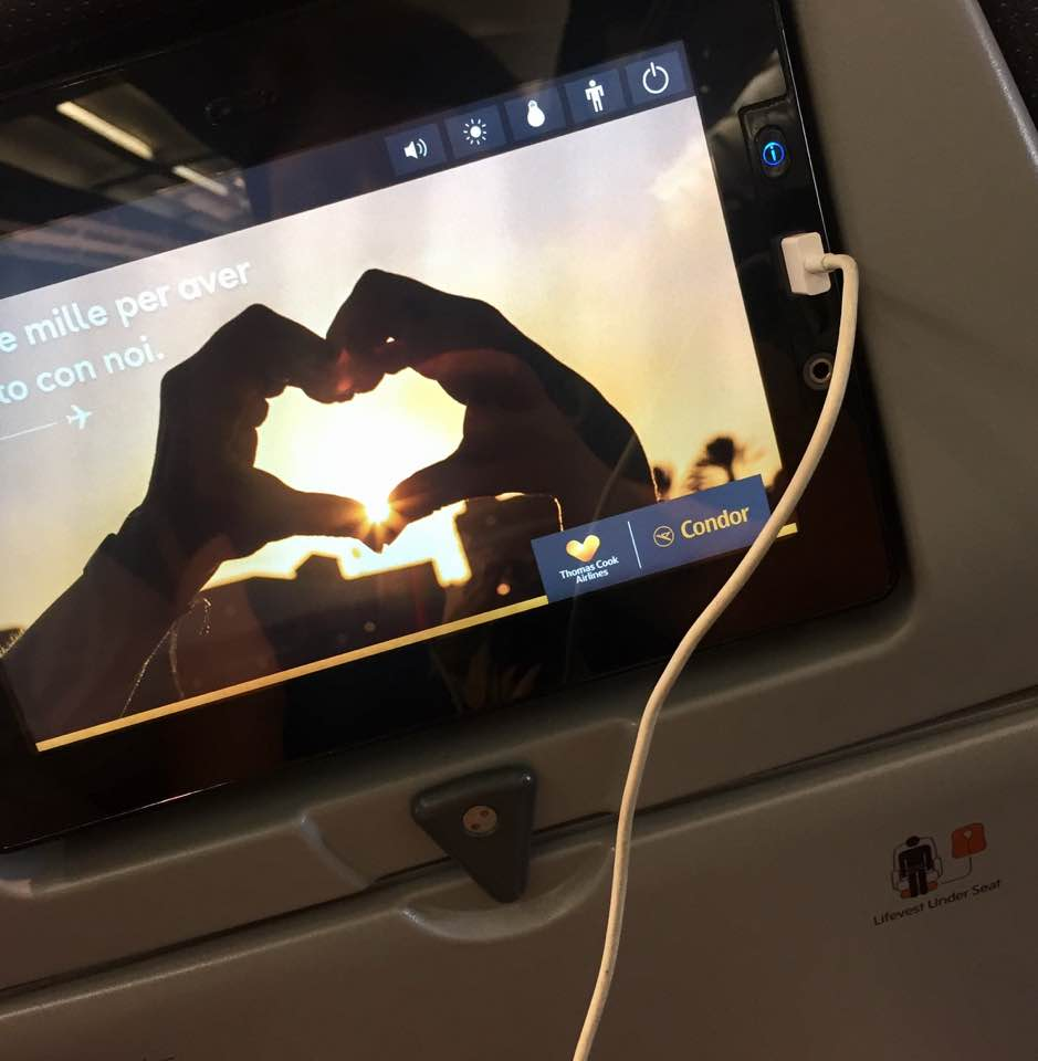 A Thomas Cook Long Haul Flight from Manchester | In-flight Meals, Entertainment & What to Expect - A Review - USB charger