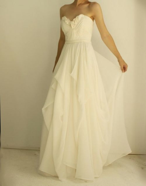 There Is A Sweetheart Top Dress V Neck And Backless Which One Would You Like To Wear For Your Wedding Day