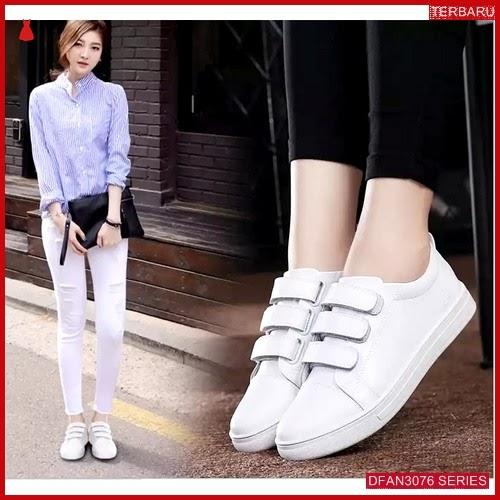 DFAN3076S114 Sepatu Dm17 Sepatu Sneakers Wanita Murah Terbaru BMGShop
