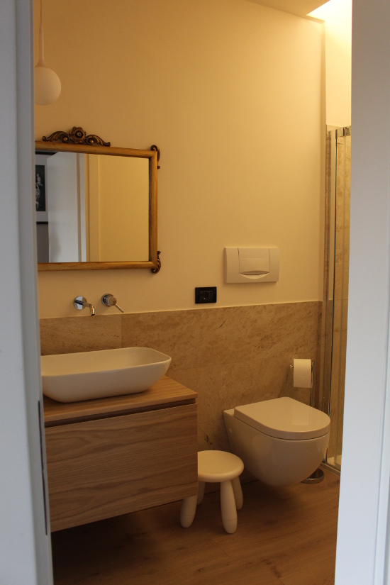 Homerefreshing homerefreshing di un piccolissimo bagno - Cestini ikea bagno ...