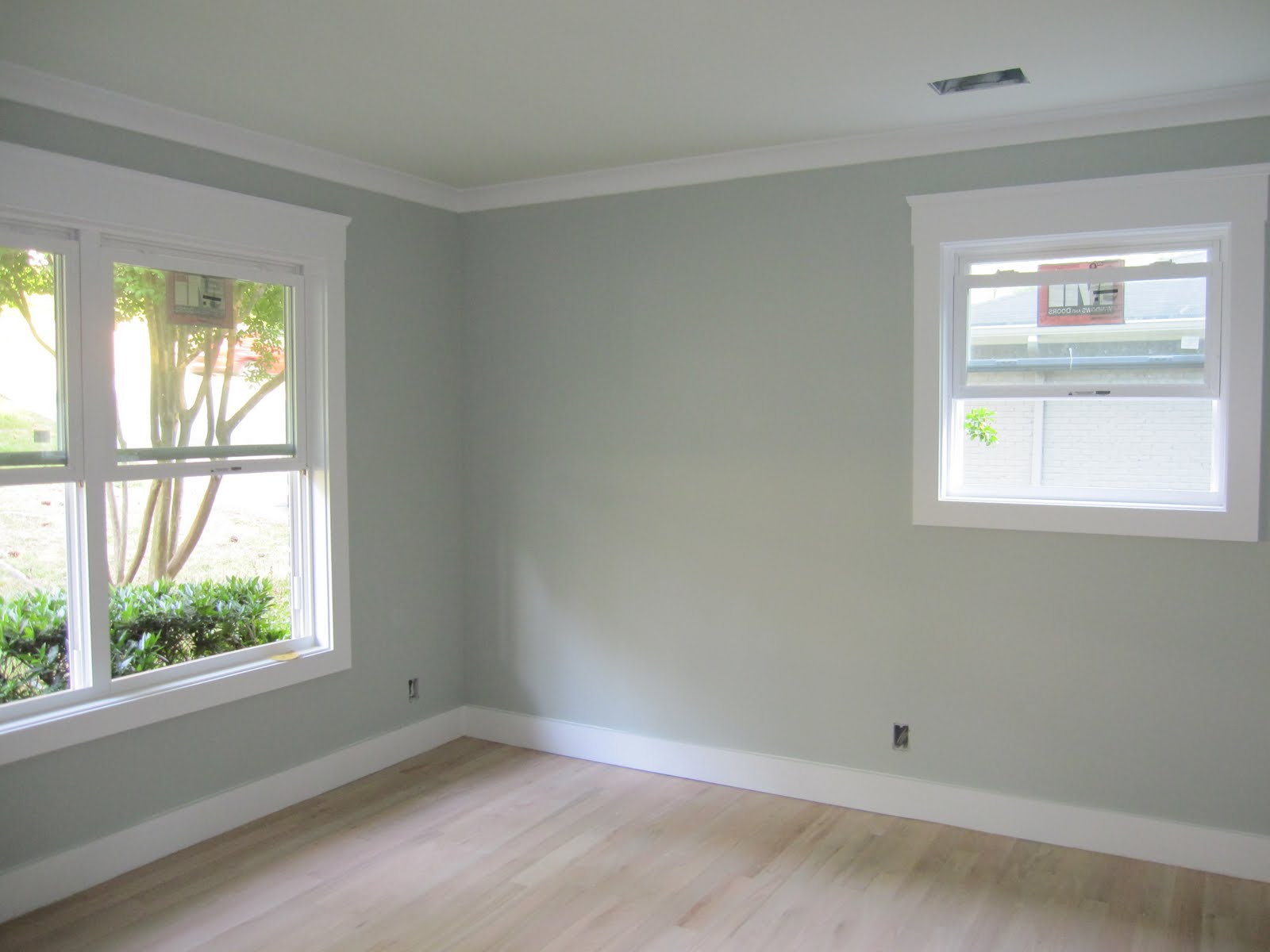 Sherwin Williams Silver Mist Benjamin Moore