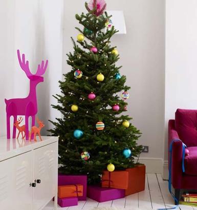 belle maison: Christmas Decorating Theme: Merry & Bright