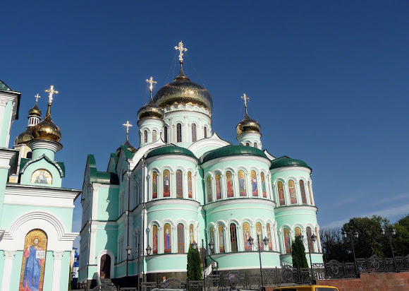Банчени. Свято-Вознесенський монастир