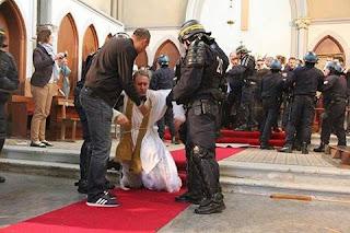 Resultado de imagem para expulsos das igrejas catolicas