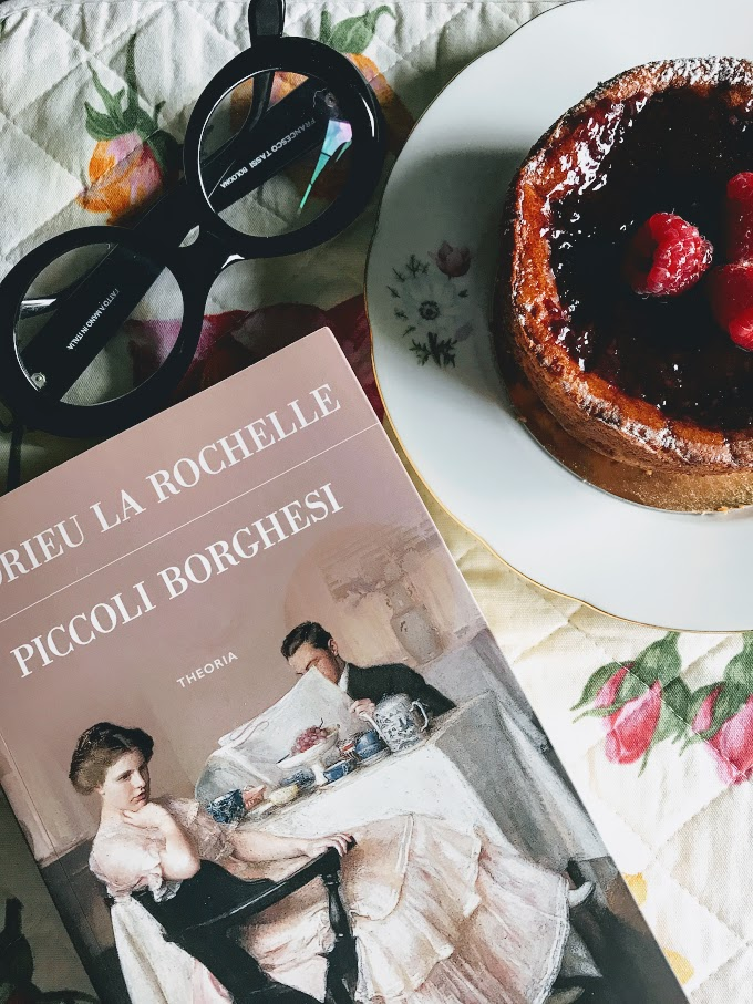 italy, cheesecake, coffee break, books