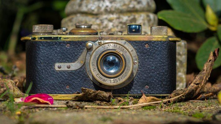 Wallpaper 2: Vintage Camera Museum