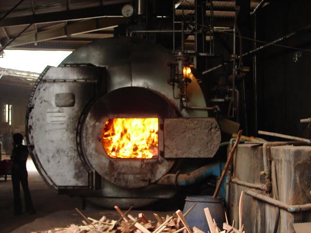lò hơi đốt củi công nghiệp
