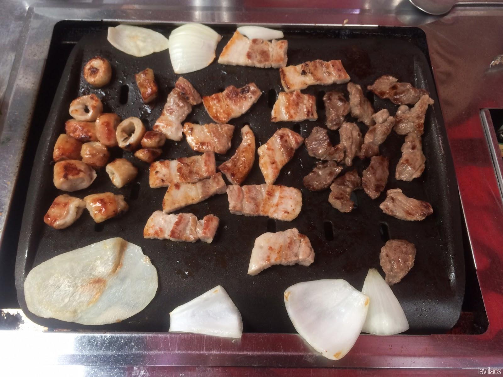 Seoul, Korea - Summer Study Abroad 2014 - Gangnam The Mak Chang 막창 - KBBQ Restaurant - Grilling pork intestine, pork belly, and beef