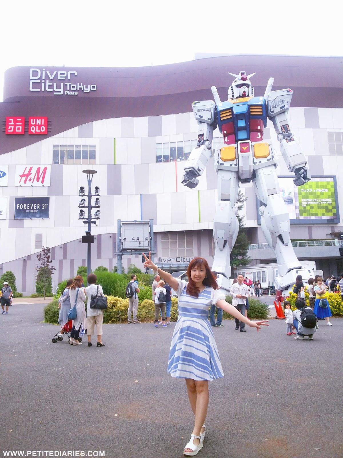gundam statue diver city japan