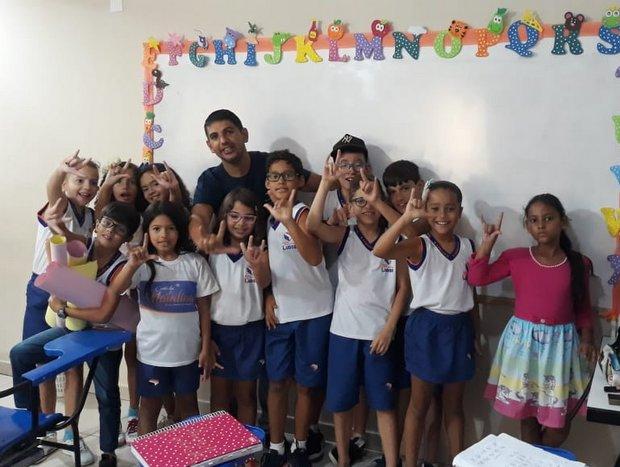 Centro Educacional Ludos oferece aulas de Libras desde a Educação Infantil