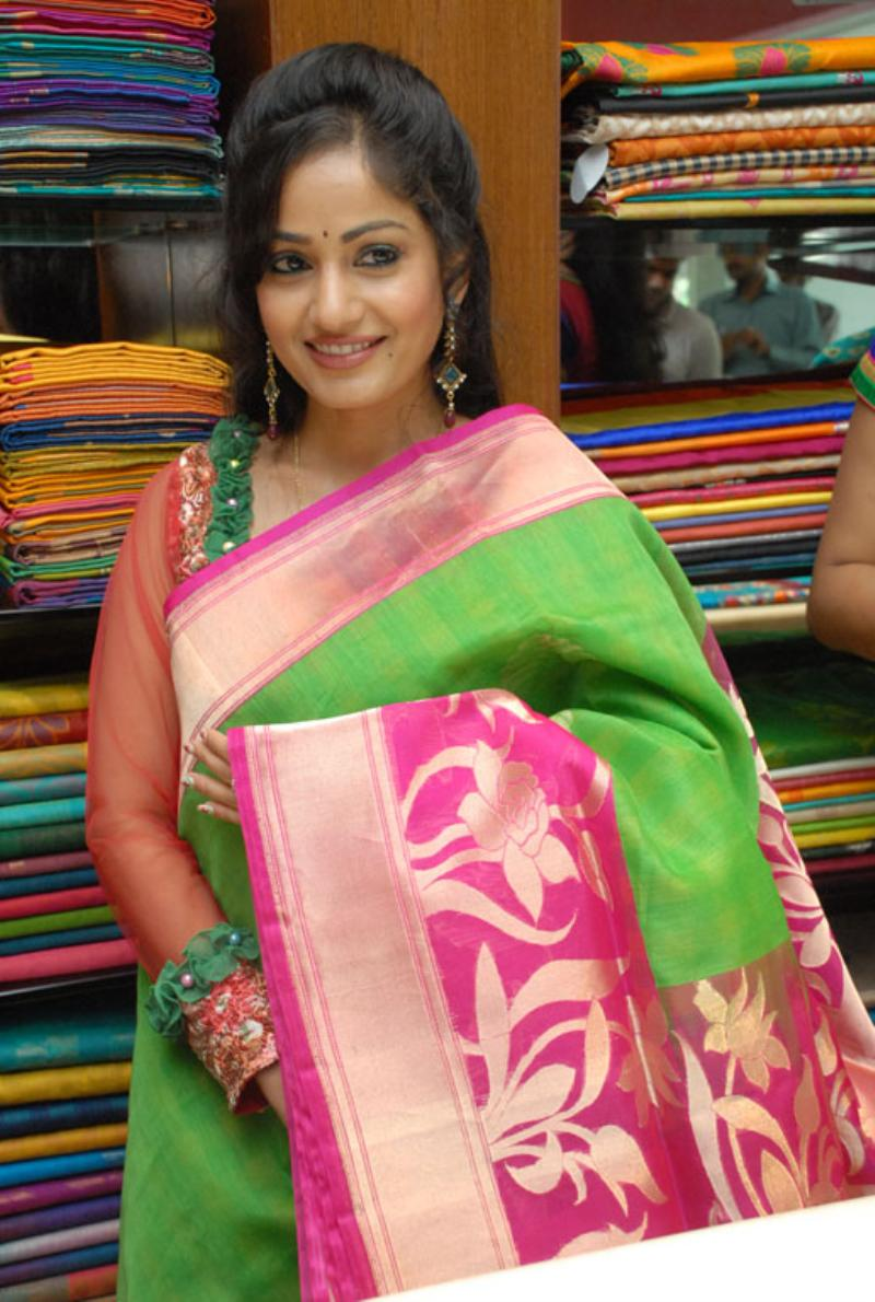 Beautiful Bellary Girl Madhavi Latha Photos In Transparent Green Saree