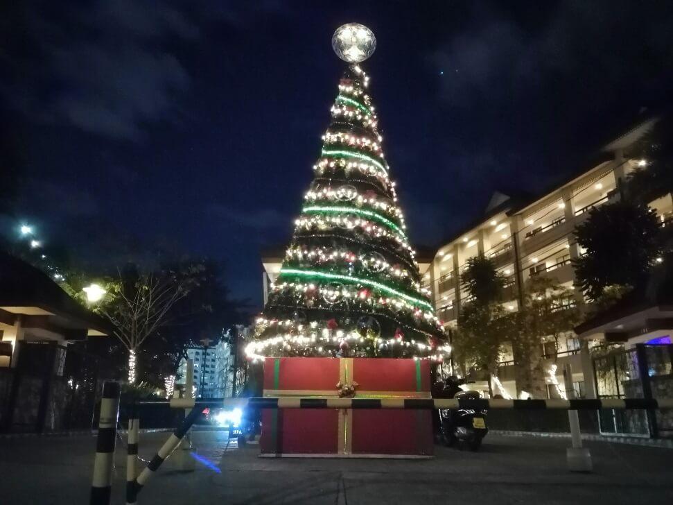 Huawei Y9 2019 Main Camera Sample - Night, Christmas Tree with AI