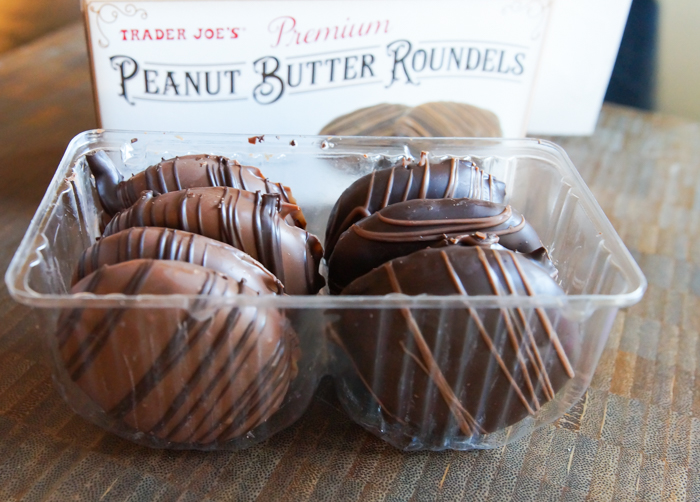 Trader Joe's Peanut Butter Roundels review from bakeat350.net