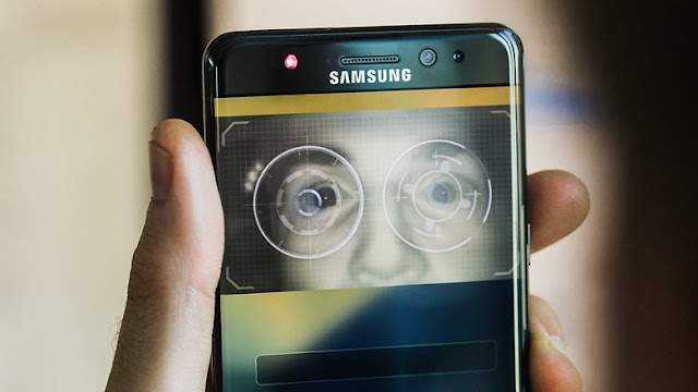The iris scanner of note 7 will probably have a new appearance in the S8. / © CoolAndroidTips