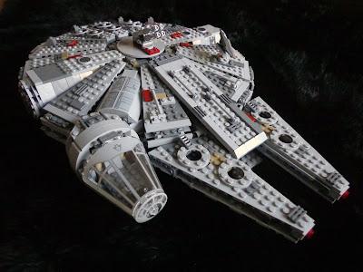 Millennium Falcon Exterior