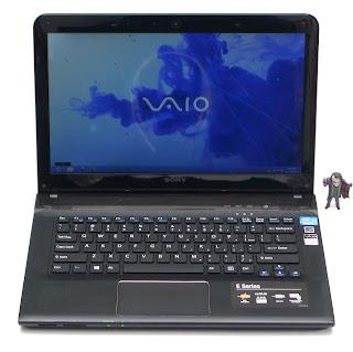 Laptop SONY VAIO SVE141J11W Core i3 Bekas Di Malang