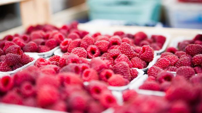 Wallpaper: Tasty Fruits Raspberries