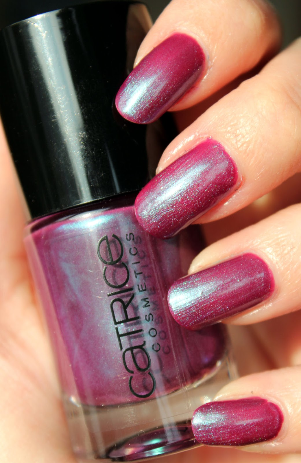 http://lacquediction.blogspot.de/2014/02/catrice-ultimate-nail-lacquer-46-berry.html