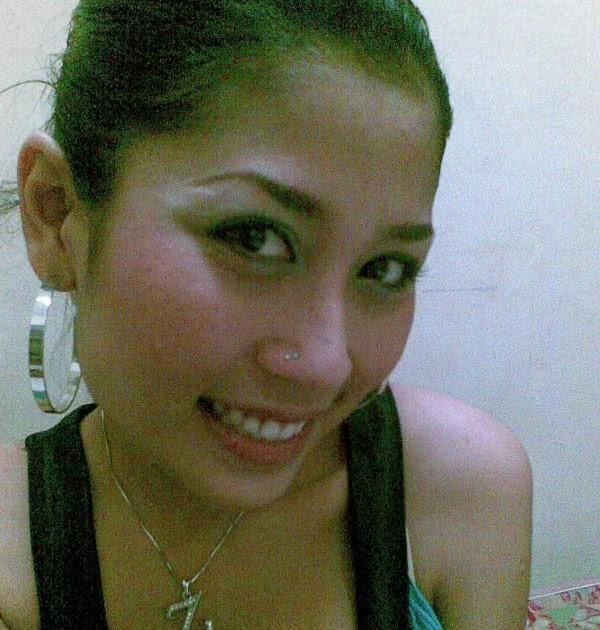 Awek Melayu Hot Tudung Hot: Gadis Melayu Bertindik