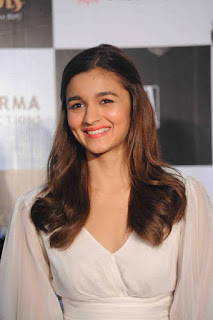 Bollywood Actress Alia Bhatt Stills in White Dress at Kapoor & Sons Movie Press Conference  0002