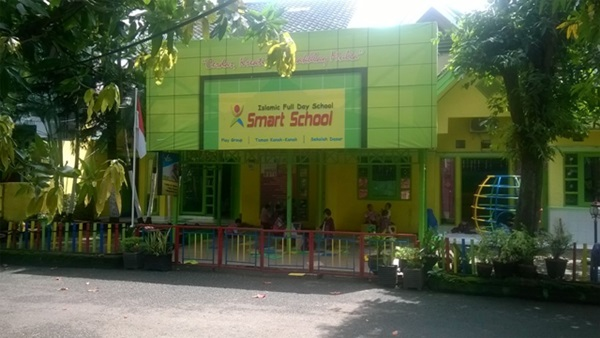 Lowongan Kerja Makassar Guru SD SIT Smart School