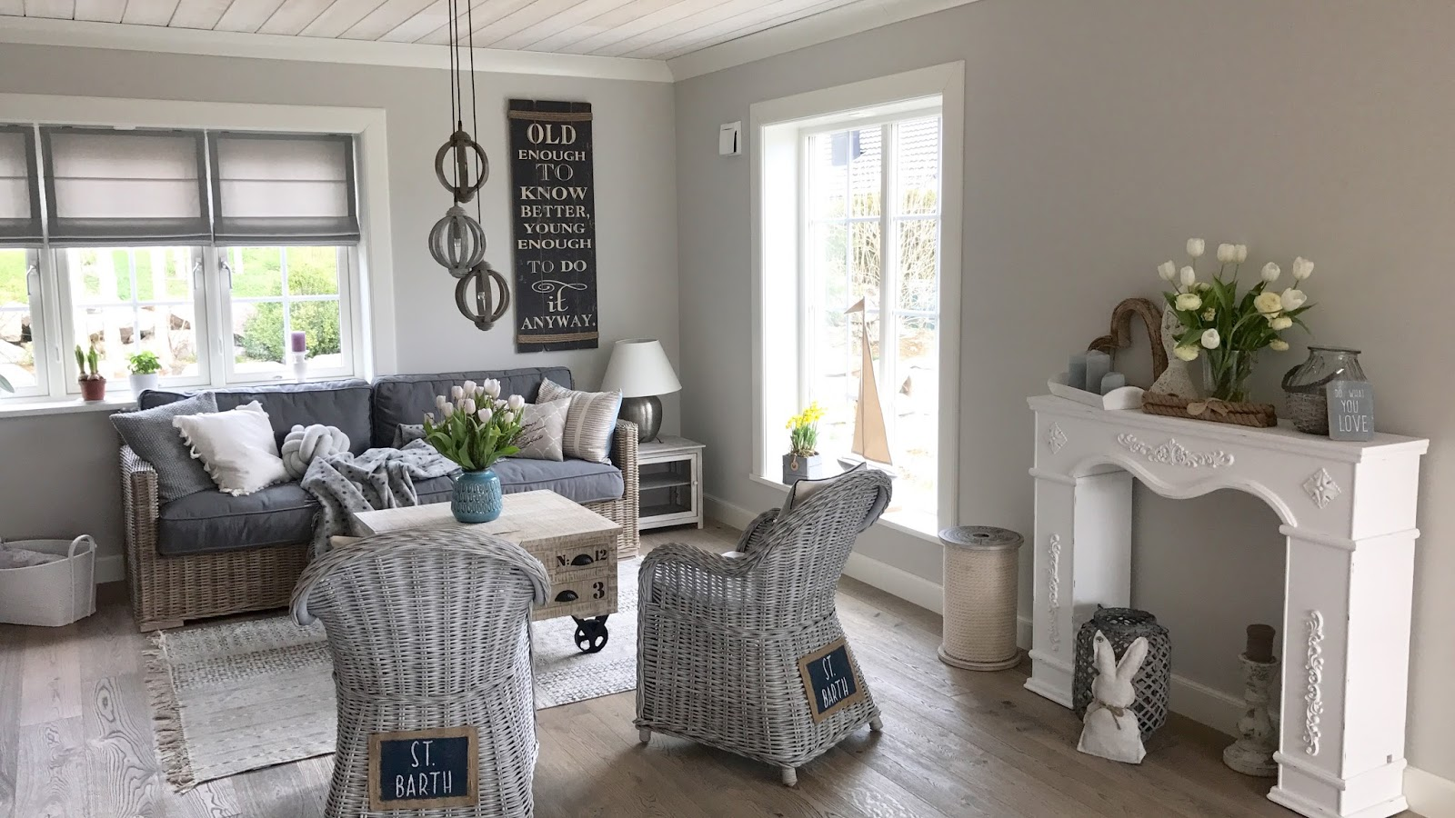 Couchtisch Grau Gold Sitzecke Im Hamptons Style! - Beachhouse Living