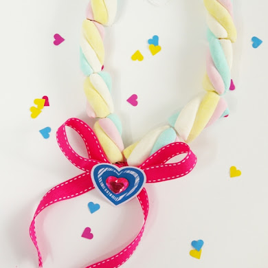 Valentine's Crafts for Kids | DIY Marshmallow Necklace