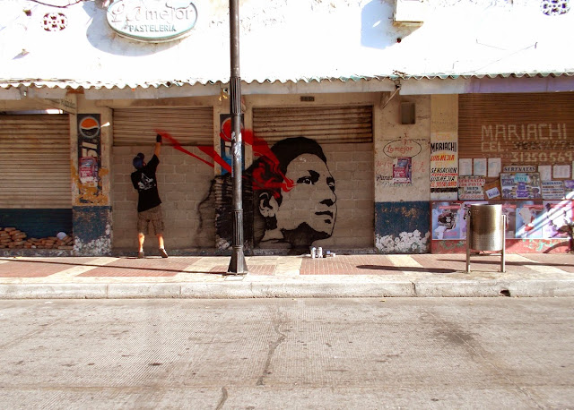 Colombian Street Artist Stinkfish paints a series of new murals in Santa Marta, Colombia. 2