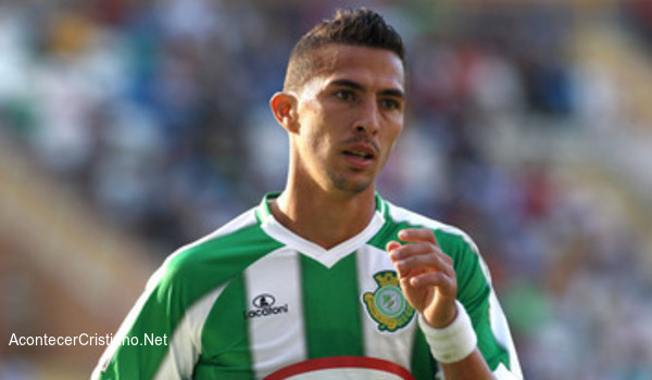 Futbolista brasileño acepta a Cristo