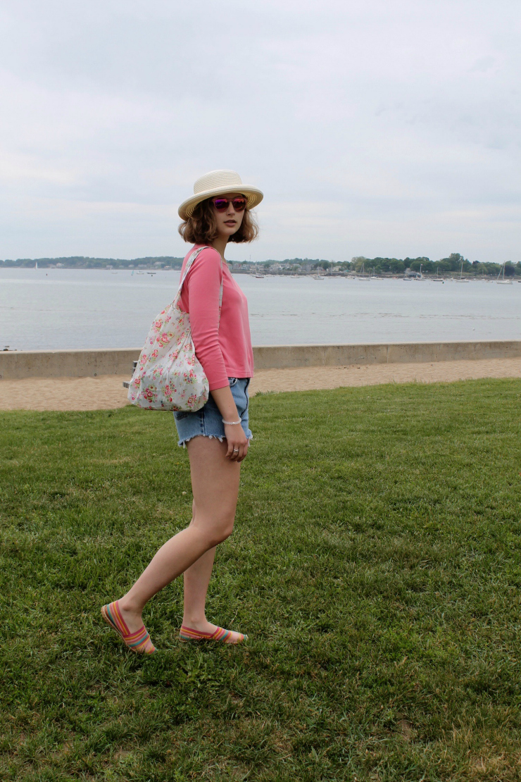 Vintage Ralph Lauren denim cutoffs, floral beach bag for a cute summer look