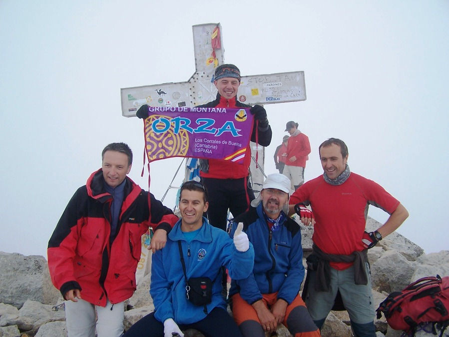 cumbre-techo-aragon-ascension-pico-aneto