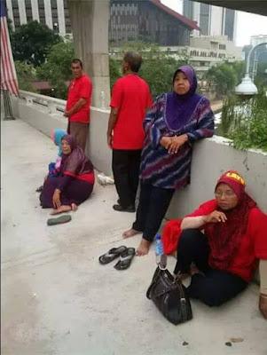 [TERBONGKAR] Pengakuan Golongan Tua Berbaju Merah Ditipu Rombongan ke Putrajaya