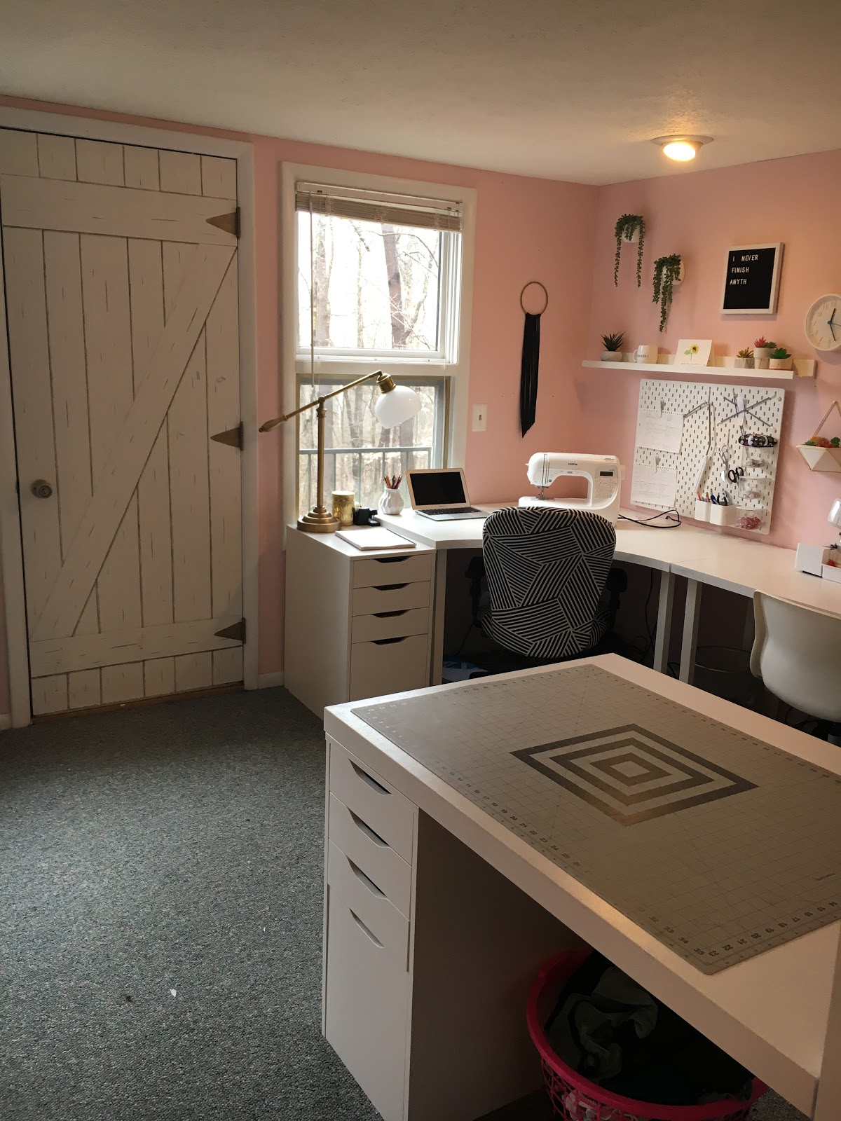 Designing A Sewing Room: 110 Creations