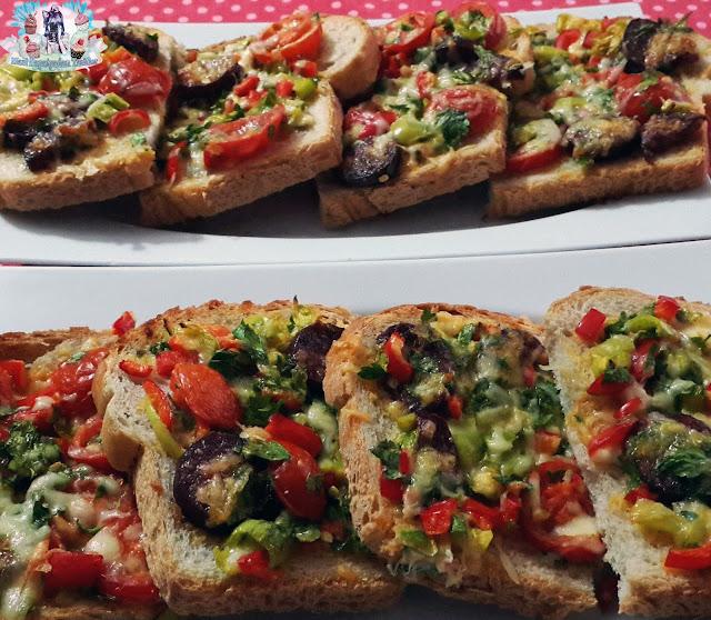 firinda kahvaltilik ekmek dilimleri, sucuklu kasarli ekmek, kolay pizza
