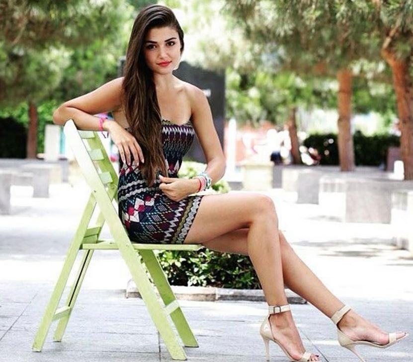 Actress Hande Ercel Pictures