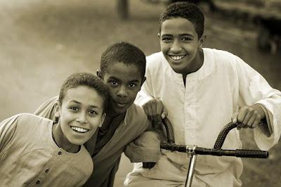 Membangun Pribadi Yang Baik Kepada Anak Dengan Memberikan Pendidikan Karakter