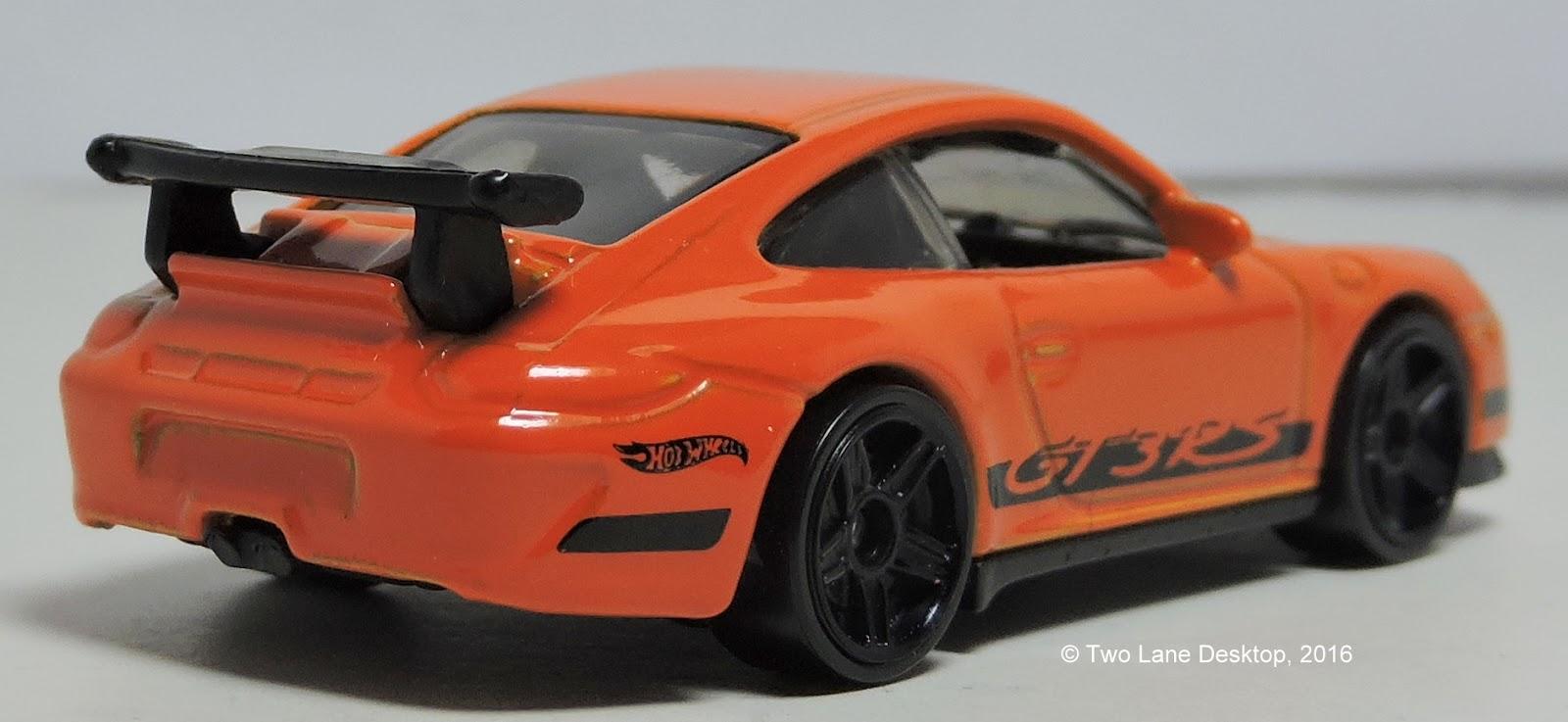 two lane desktop hot wheels 2012 and 2016 porsche 911 gt3 rs. Black Bedroom Furniture Sets. Home Design Ideas