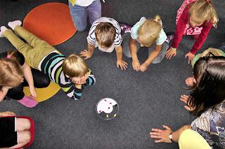 Wie kann die Arbeit an Projekten so gestaltet werden, dass die Kinder mit Freude und Begeisterung dabei sind?