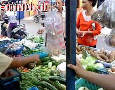 Kerja Sampingan Ibu Rumah Tangga Jualan Di Pasar