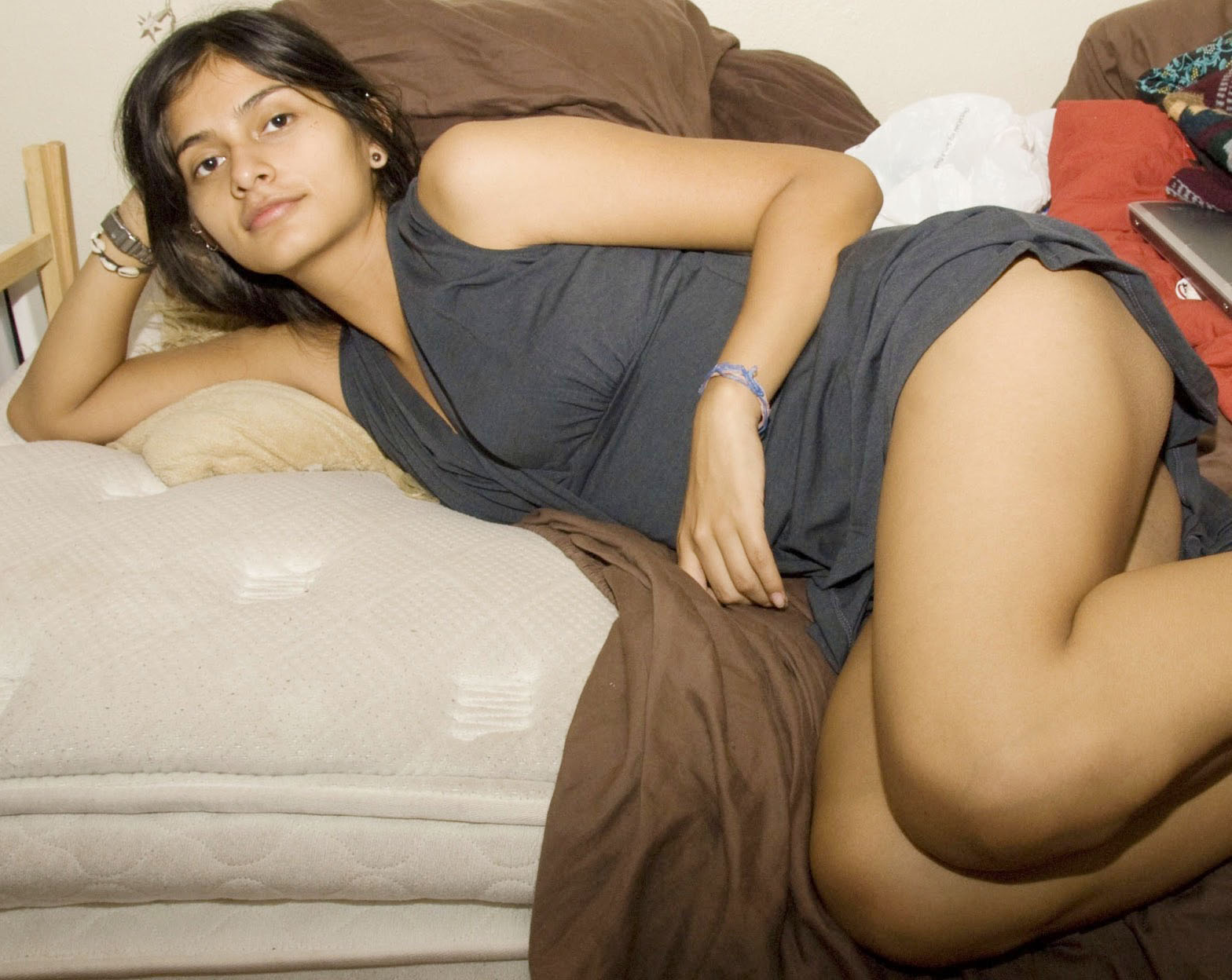 cute desi college new girls hand quickly
