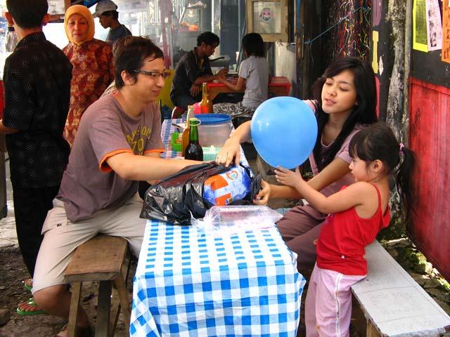 Berniat Ngegombal? Kutipan Romantis dari Film Indonesia Ini