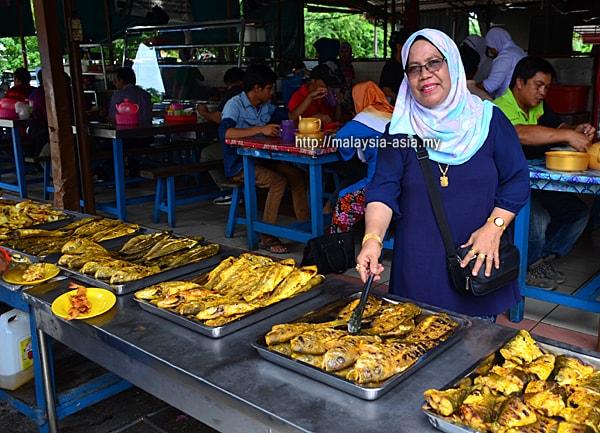 Ikan Bakar Mama Resepi at Pasar Sim Sim