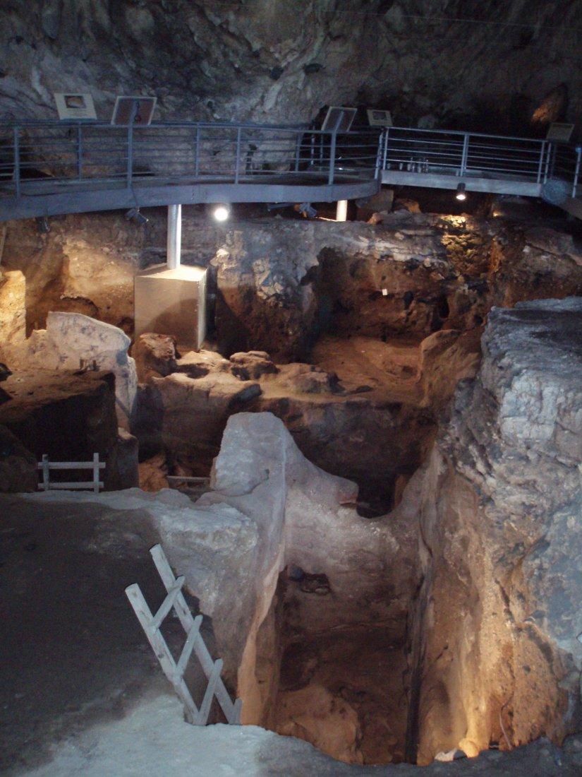 σπήλαιο της Θεόπετρας