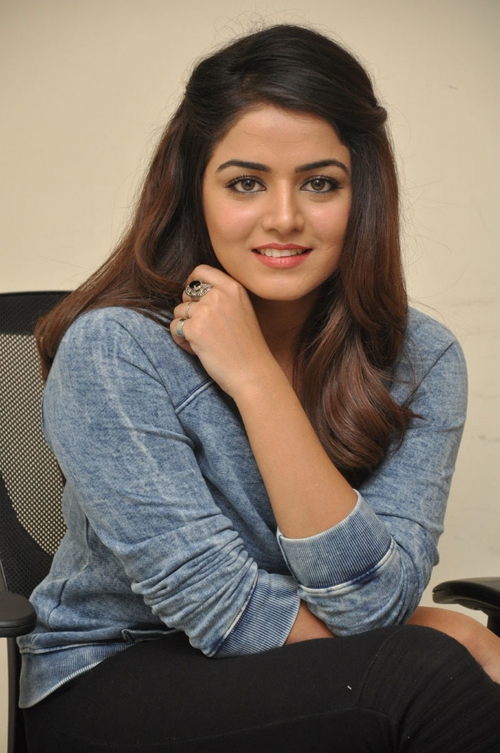 Glamours Tollywood Actress Wamiqa Gabbi Hot Photos In Blue Top Black Jeans