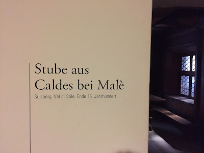 Sign for Stube aus Caldes bei Malè example in Tiroler Volkskunstmuseum